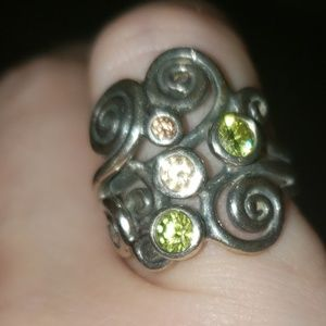 Vintage Pandora peridot ring